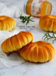 白桃果酱面包圈