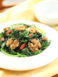 核桃仁炒菠菜