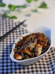 酸豆角焖鱼