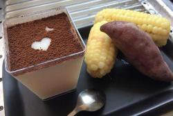 粗粮早餐豆浆布丁+玉米+山芋