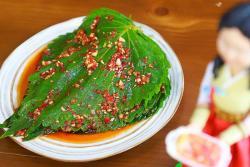 韩国料理中最受欢迎的小菜-腌苏子叶,绝对的下饭利器