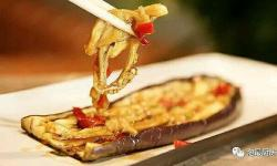 微波炉快手菜,烤茄子和蒜香金针菇