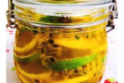 百香果柠檬蜂蜜苏打水