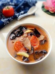 番茄木耳猪肝汤