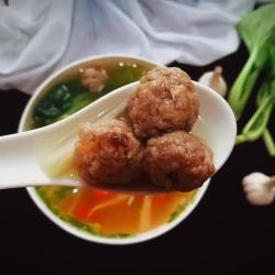 营养暖胃牛肉丸蔬菜汤