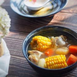 胡萝卜马蹄玉米猪骨汤