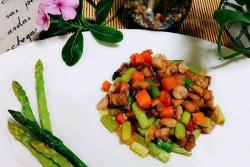 芦笋虾仁肉粒