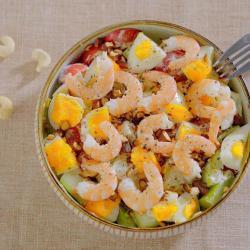 有虾又有溏心蛋的高颜值沙拉