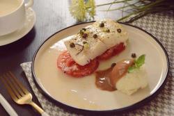 独家低脂美味快手的番茄烤大比目鱼