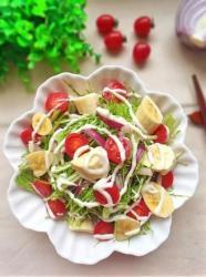 两种口味蔬菜水果沙拉
