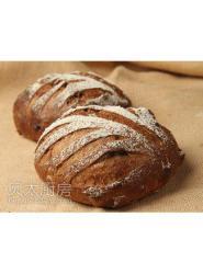 黑面包-面包板-牛角面包