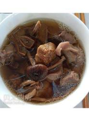 茶树菇姬松茸炖罗汉肉