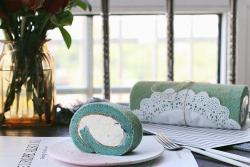 蝶豆花奶油蛋糕卷