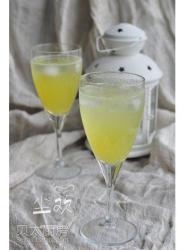 菠萝苏打水