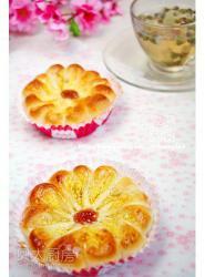 椰蓉花瓣面包