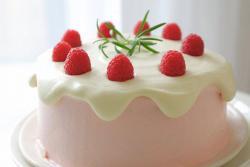 【视频】树莓奶油滴落蛋糕